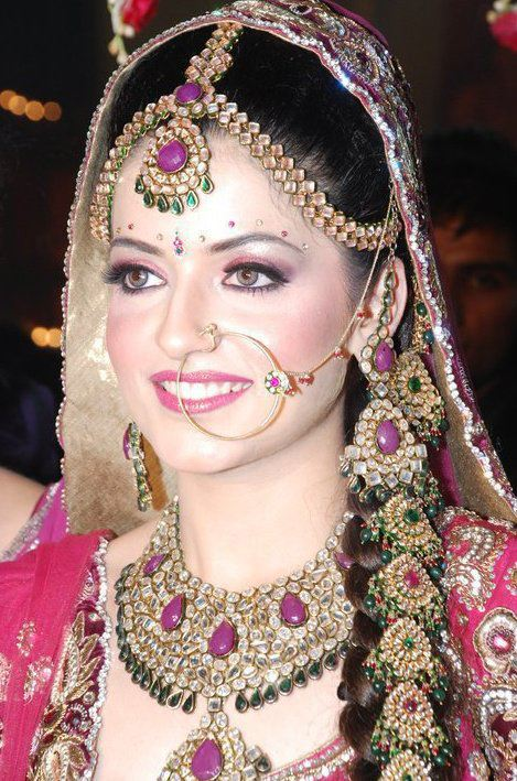 Mehndi Dulhan Makeup : Moved permanently